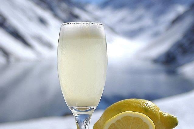 Drink das neves: aprenda a fazer o pisco sour da Portillo
