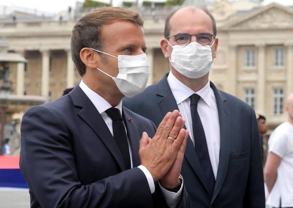 França: obrigatório uso de máscara em lojas e museus