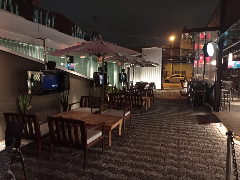 YouRock, bar e restaurante em três ambientes