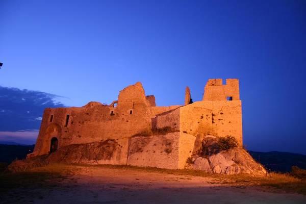 Vila medieval no sul da Itália vende casas a 1 euro