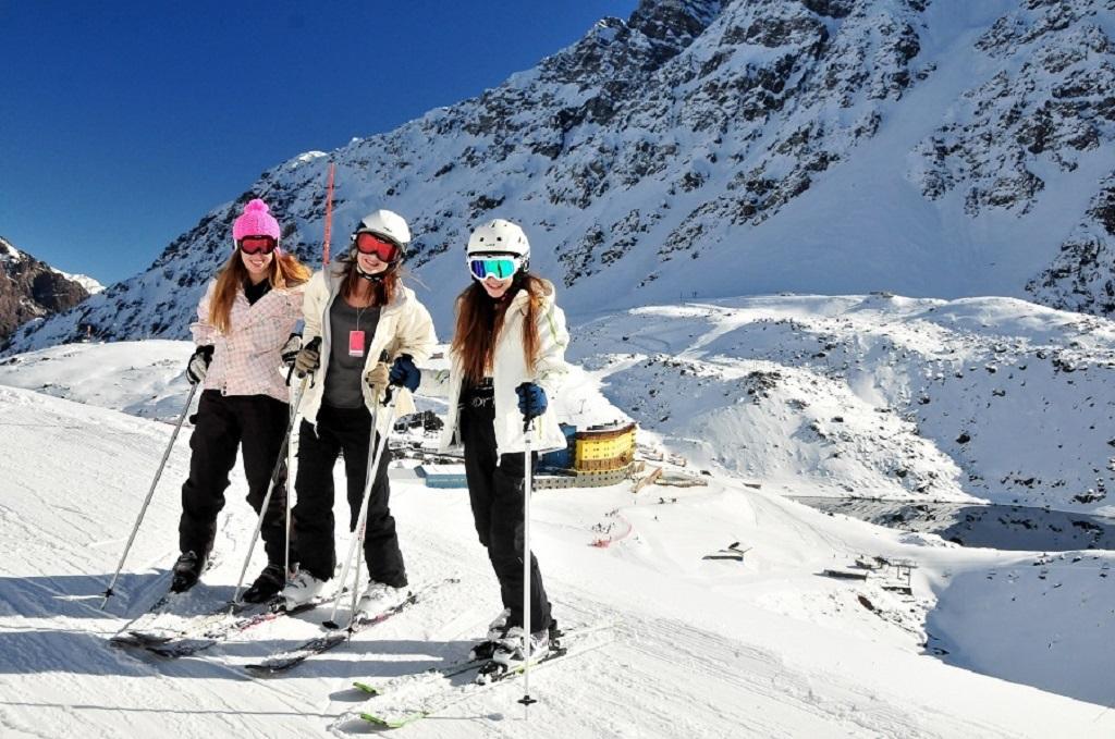Reservas antecipadas têm desconto para esquiar em Portillo