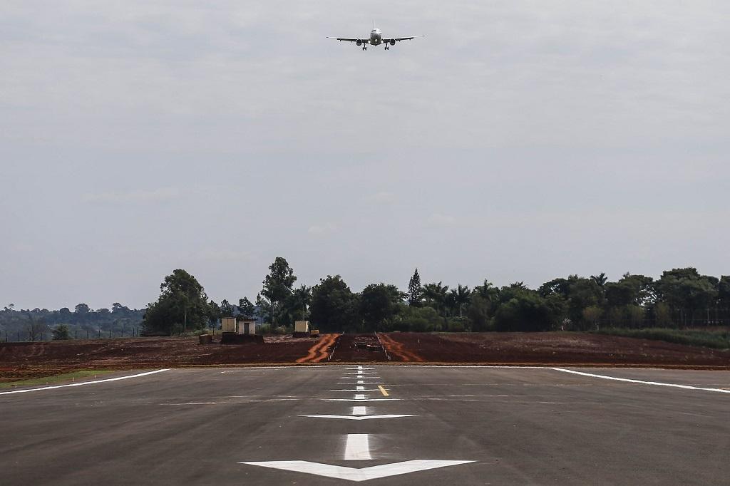 Aeroporto de Foz do Iguaçu amplia pista de pouso e decolagem