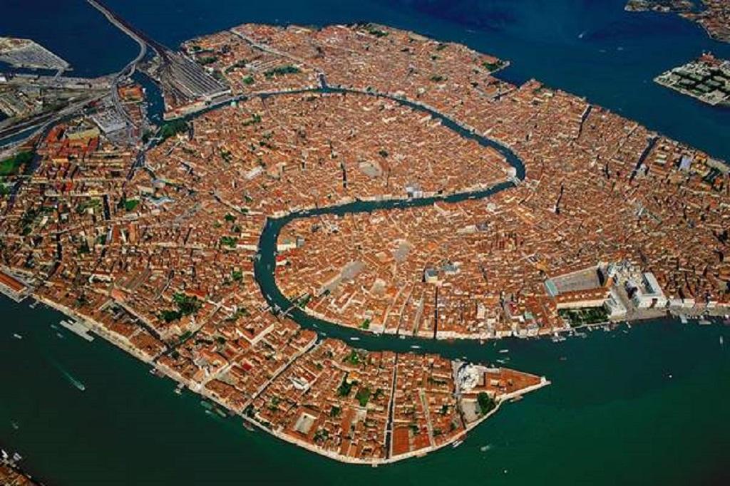 Com 1,6 mil anos, saiba como Veneza foi construída