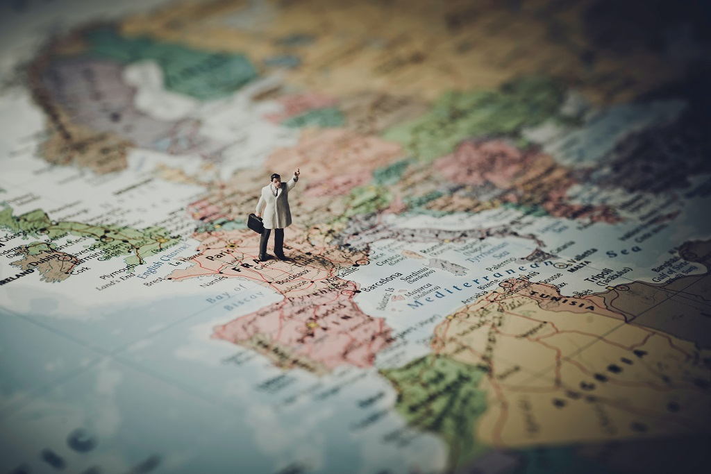 """Infectologista alerta: """"Não é hora de viajar"""""""