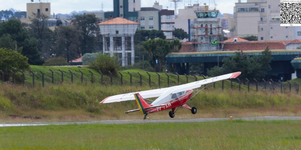 Aeroporto do Bacacheri: pousos e decolagens com vento