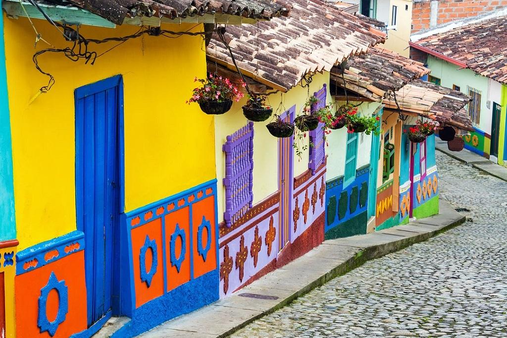 Latam volta a Bogotá três vezes por semana