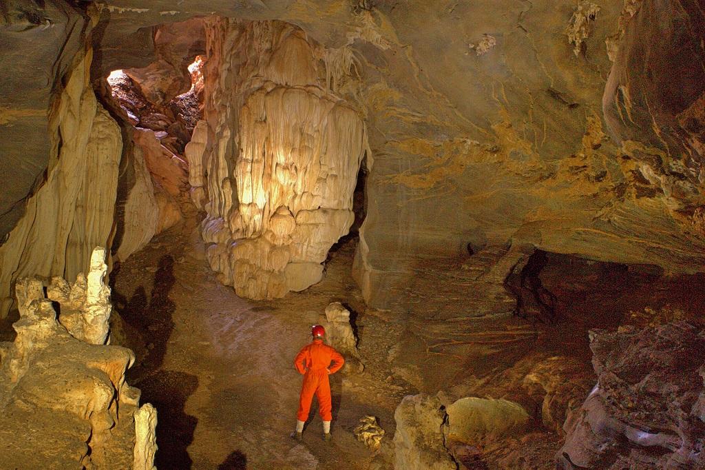 """Pesquisadores descobrem caverna """"perdida"""" em Minas Gerais"""