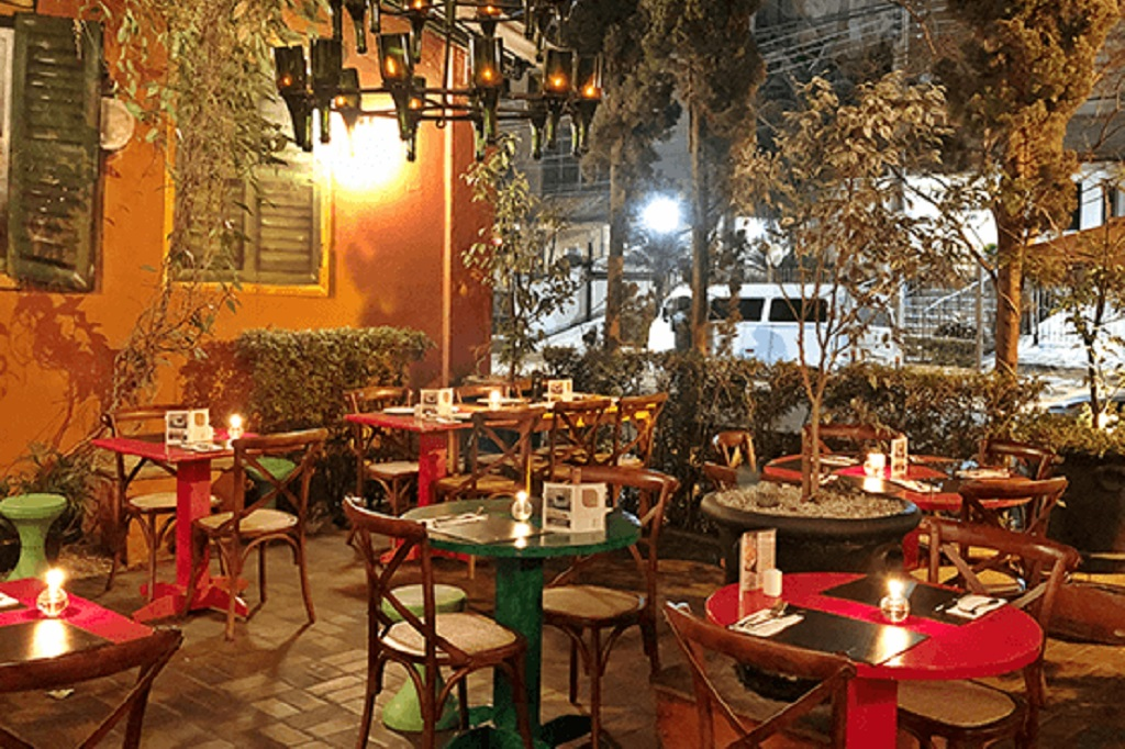 Zena, restaurante italiano, inaugura sua Fontana Di Trevi